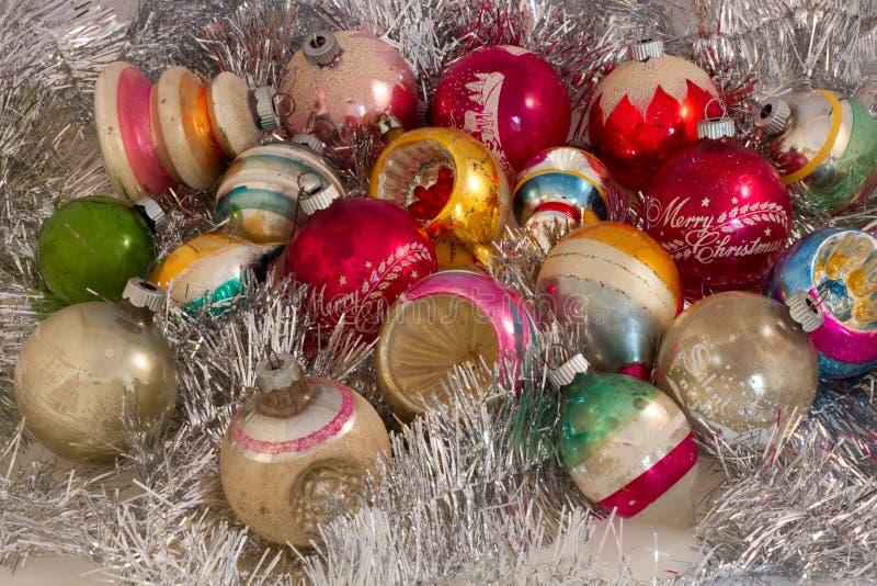 Dziewiętnaście roczników ornamentów w Srebnym świecidełku obraz stock