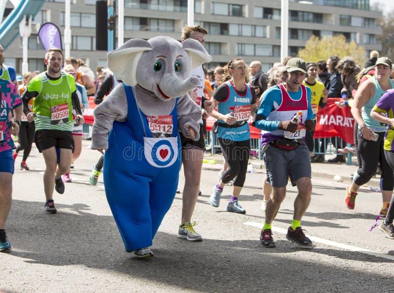 Dziewiczego pieniądze Londyński maraton, 24th 2016 Kwiecień obraz royalty free