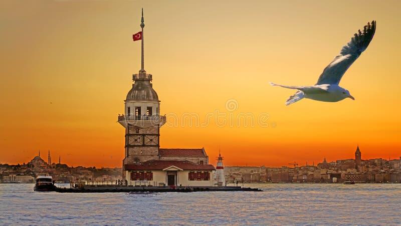 Dziewiczy ` s wierza kiz kulesi w Istanbul obraz royalty free