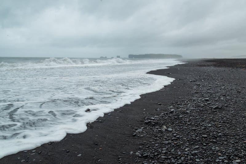 Dzika linia brzegowa w Południowym Iceland fotografia royalty free