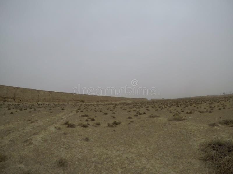 Dziki Greatwall i pustynia Gansu Chiny 中国甘肃汉长城遗址 zdjęcie royalty free