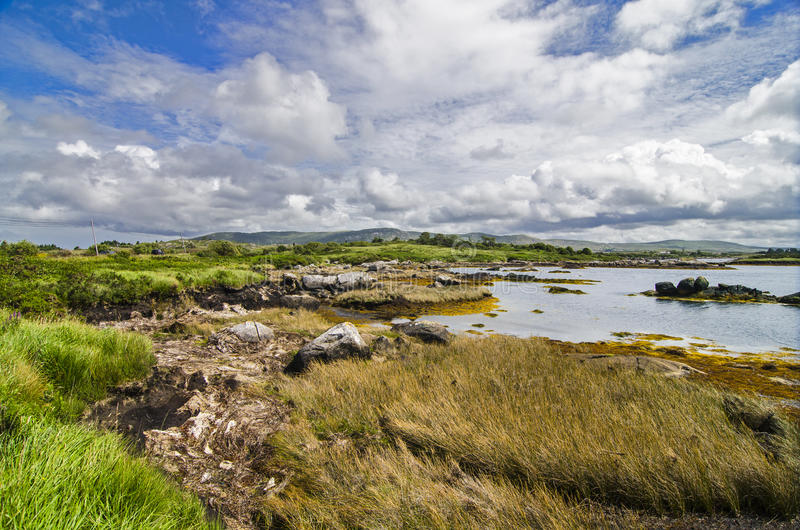 Dziki jezioro krajobraz w Connemara fotografia royalty free