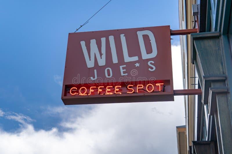 Dziki Joe ` s Kawowy punkt jest sklep z kawą w w centrum Bozeman Mont obrazy stock