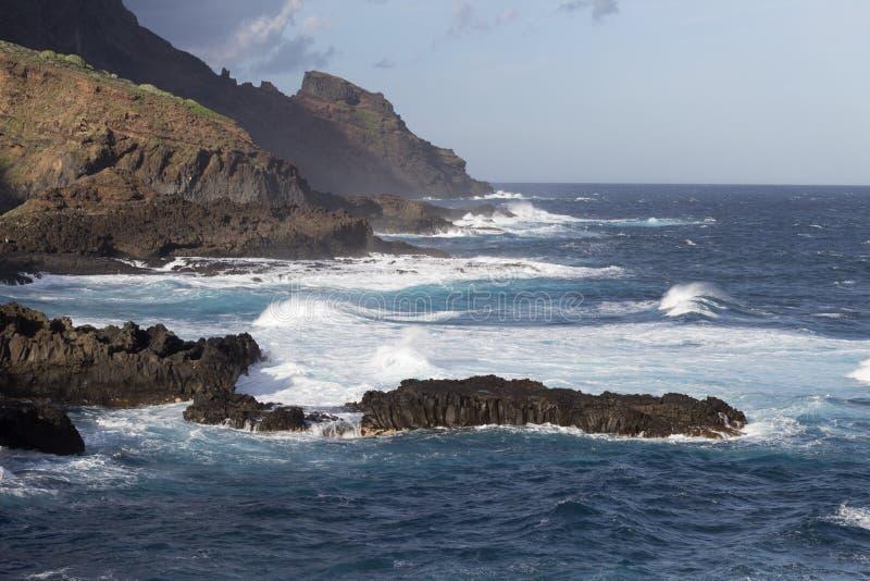 Dziki wybrzeże Barlovento zdjęcia stock