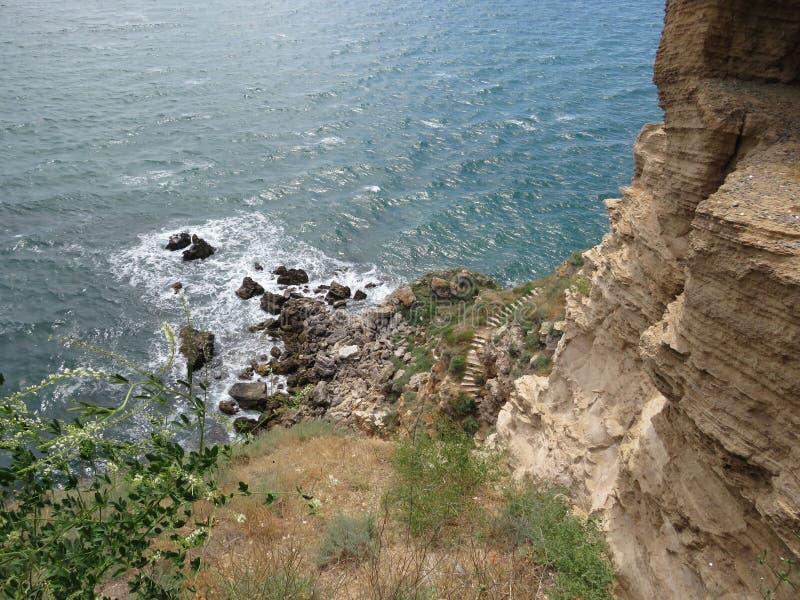 dzikie fale w morze zdjęcia royalty free
