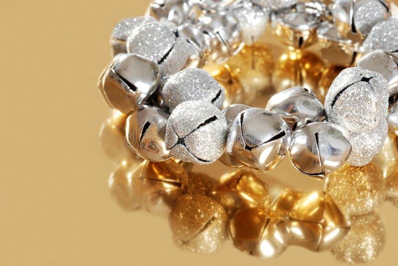 dzwonów złocisty dżwięczenia odbicia srebro zdjęcia stock