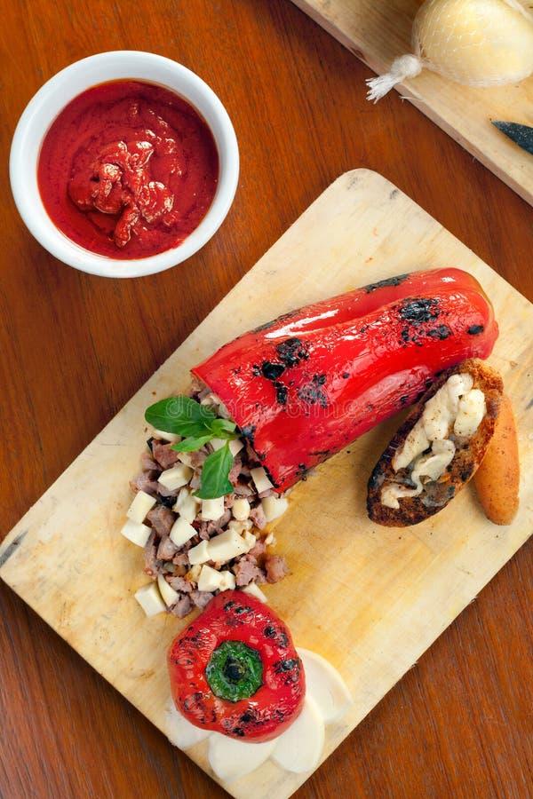 dzwonkowy sera pieprzu provolone faszerujący zdjęcie royalty free
