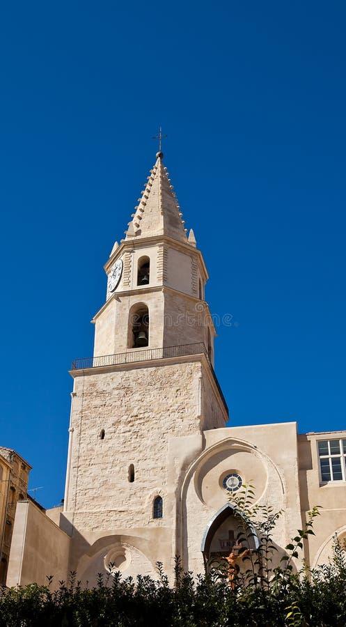 Dzwonkowy wierza kościół des w Marsylskim obraz royalty free