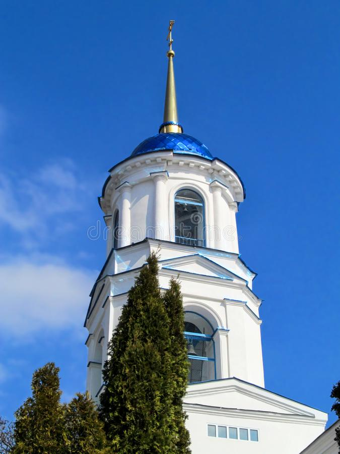 Dzwonkowy wierza Ortodoksalna Elias świątynia w Sumy, w górę, pionowo fotografia royalty free