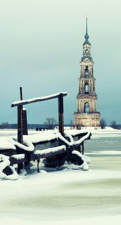 Dzwonkowy wierza St Nicholas katedra Kalyazin obrazy stock