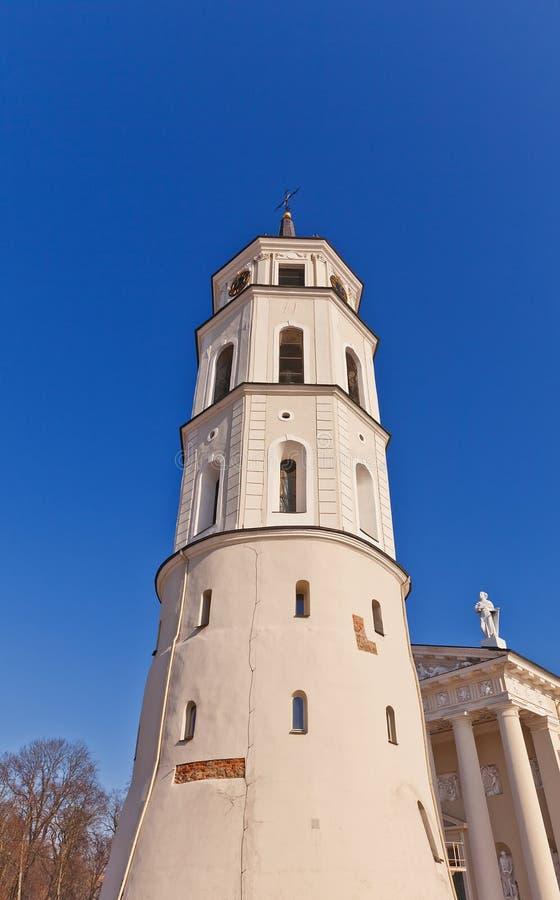 Dzwonkowy wierza St. Stanislov katedra. (XVIII c.) Vilnius zdjęcie stock