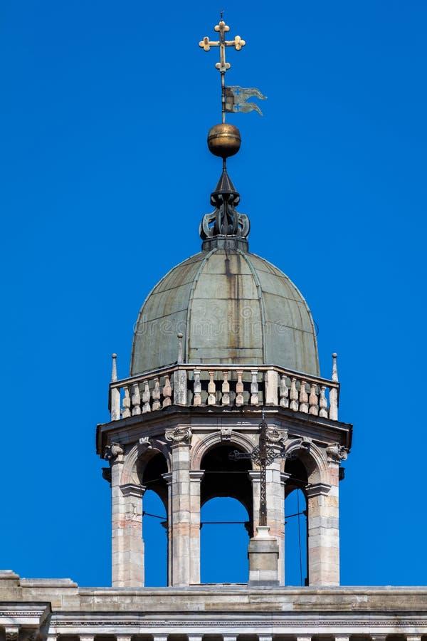 Dzwonnica Certosa di Pavia monaster, Włochy obraz stock