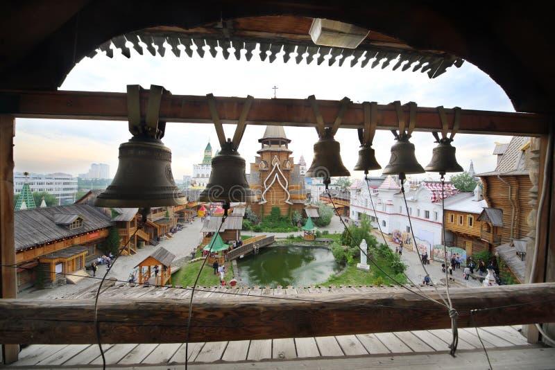 Dzwony na dzwonkowy wierza w rozrywki centrum obrazy stock