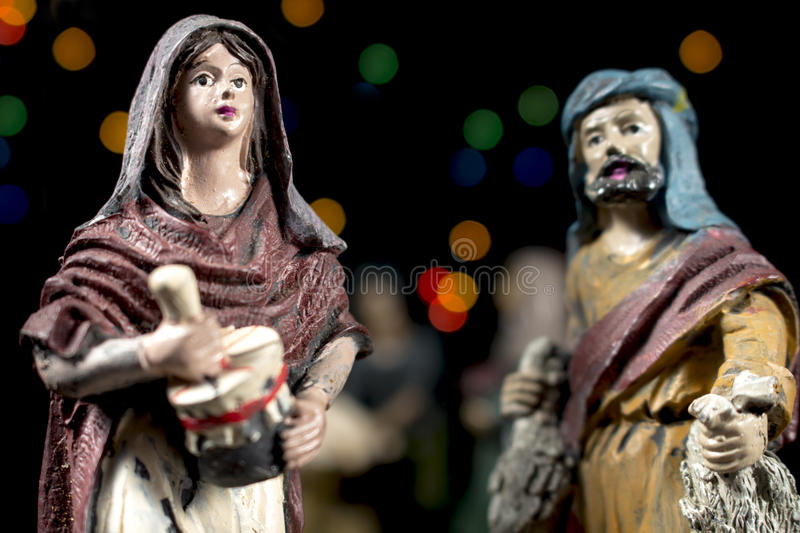 Détail des figurines de scène de nativité Traditions de Noël photos stock