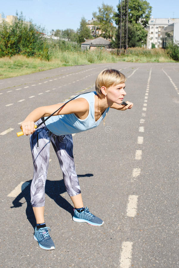 Żeńska atleta na karuzeli fotografia stock