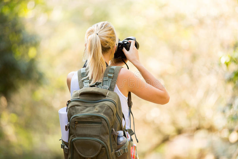 Żeńska fotograf góra zdjęcia royalty free
