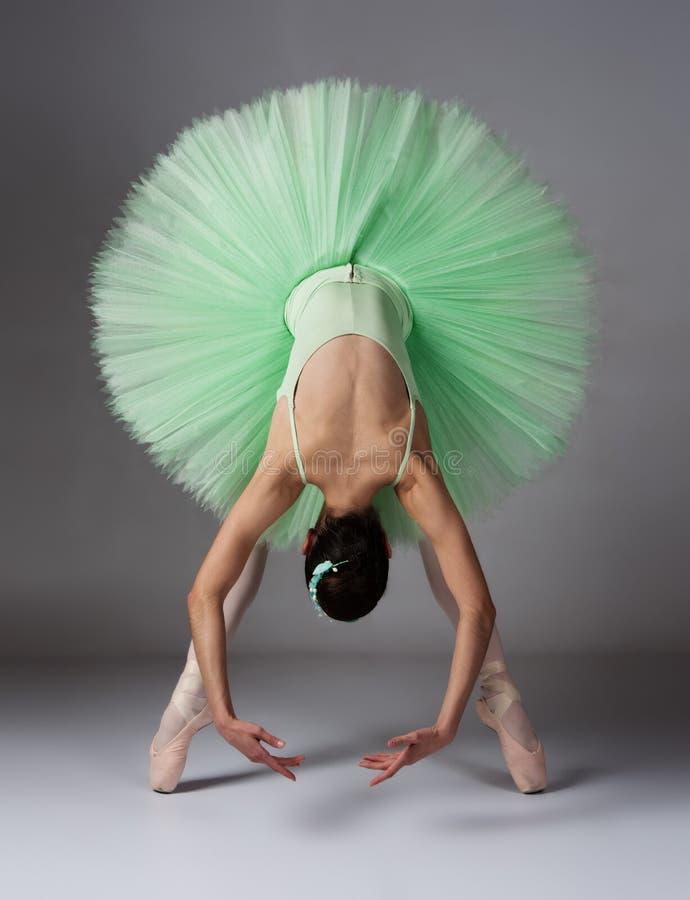 Żeński baletniczy tancerz zdjęcia royalty free