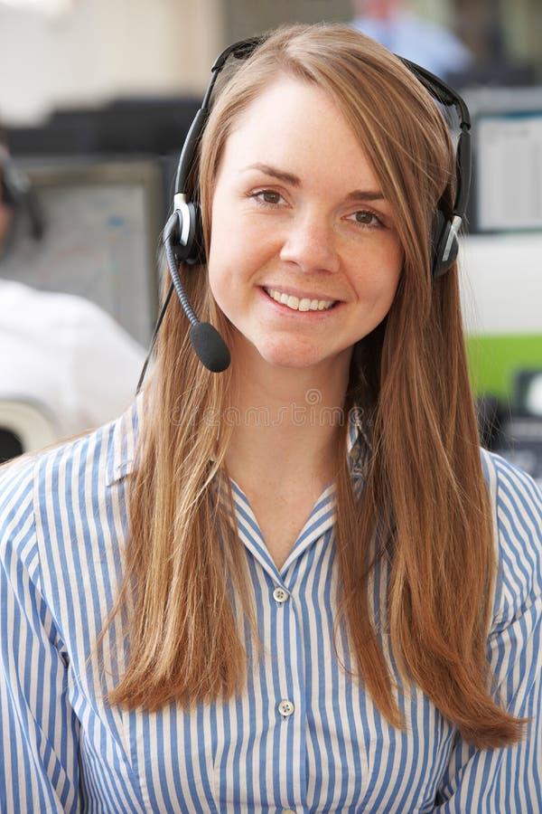 Żeński obsługa klienta agent W centrum telefonicznym zdjęcie royalty free