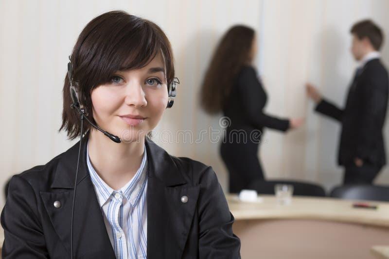 Download Żeński Obsługa Klienta Oficer Zdjęcie Stock - Obraz złożonej z telefon, osoba: 57665628