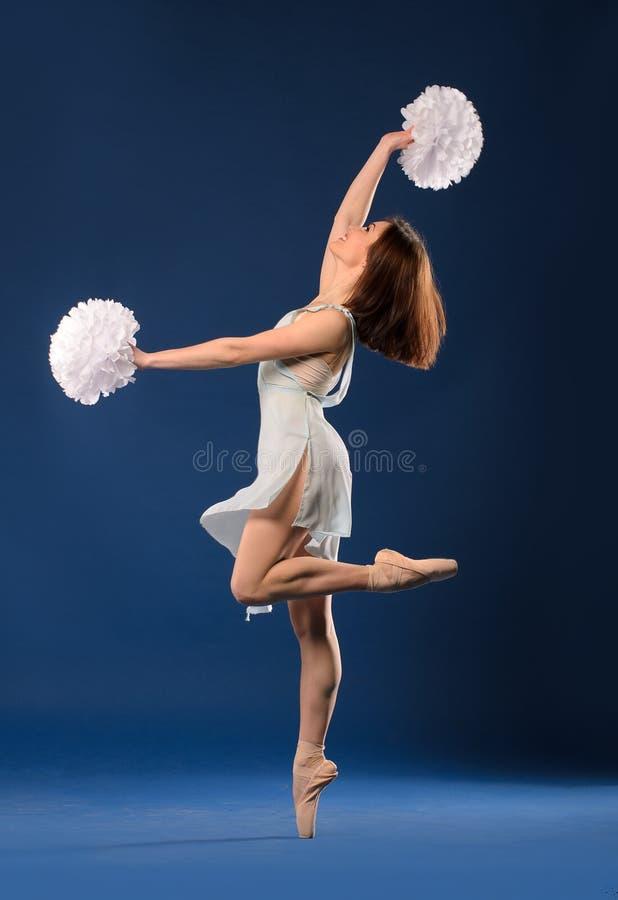Żeński tancerza chirliderka zdjęcia stock