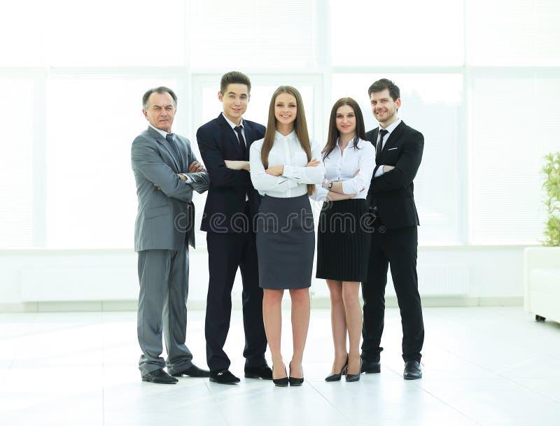 E Équipe de jeune gens d'affaires image stock