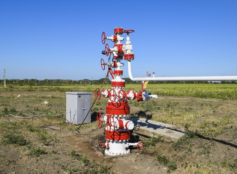 E Équipement de tête de puits de puits de pétrole Production de pétrole image libre de droits