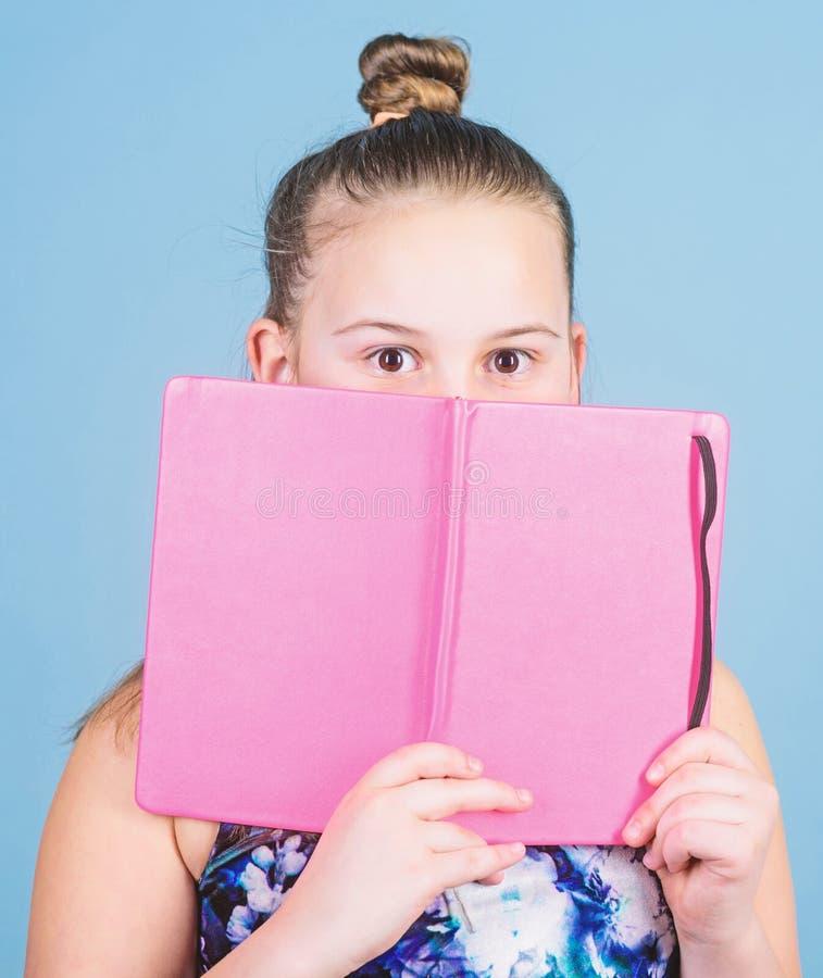 E μυστική ιστορία εγχειρίδια για το γράψιμο σχολικά ημερολόγια για την παραγωγή των σημειώσεων r στοκ εικόνα