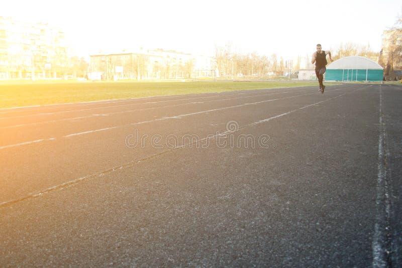 E бег на резиновом следе ( энергичный стоковое фото
