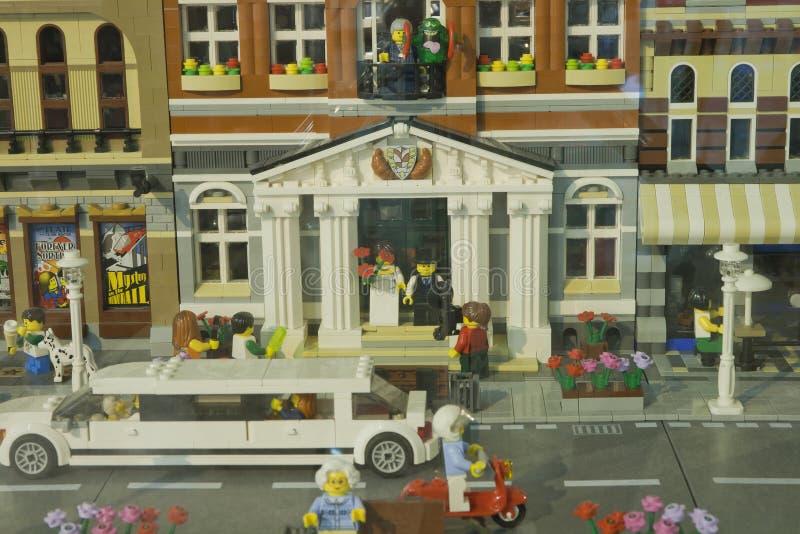 E Диорама свадьбы для выставки города Lego Builded для членов asociation ЭЛЯ куль стоковое изображение rf