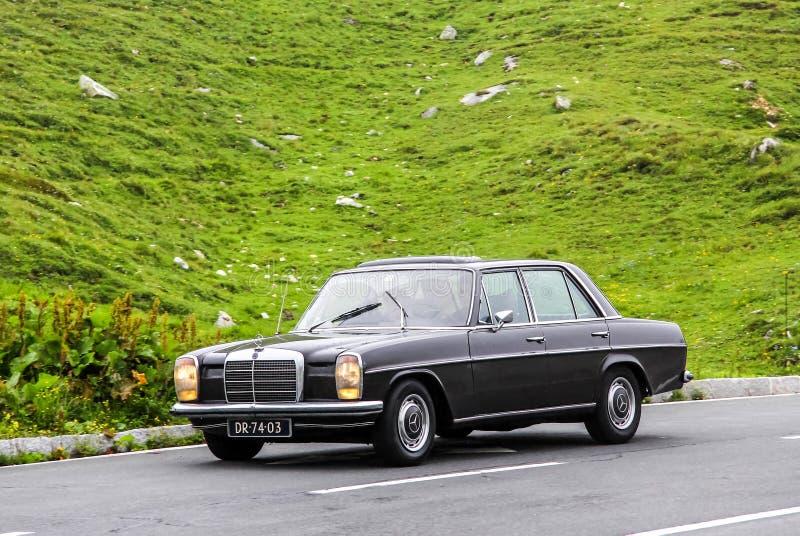 E-класс Мерседес-Benz W115 стоковое изображение rf