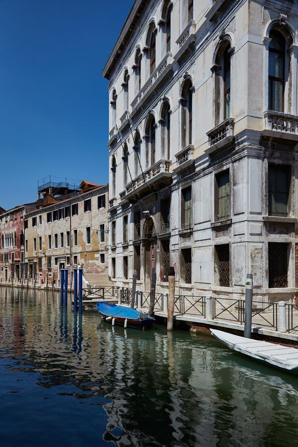 E Улица Венеции Канал Fondamenta Daniele стоковые изображения
