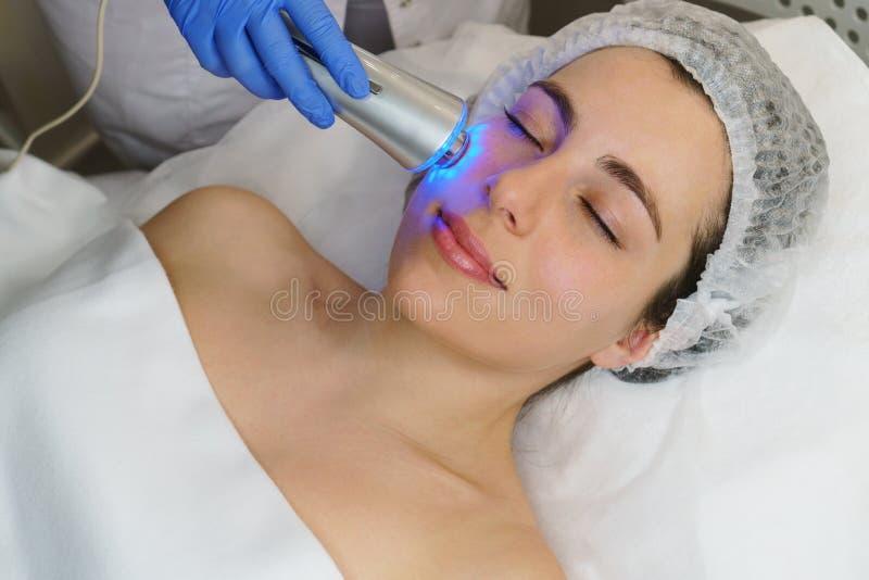 E Ультразвук chromotherapy стоковые изображения rf