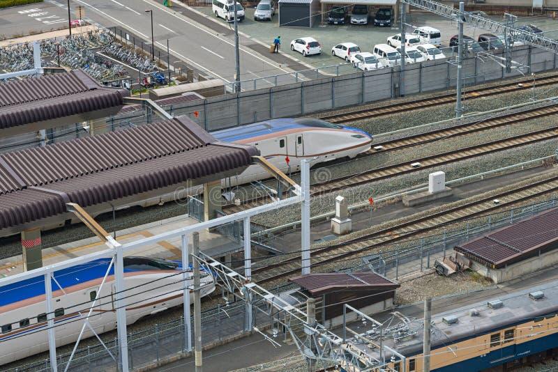 E7系列子弹(高速或Shinkansen)火车顶视图  库存图片