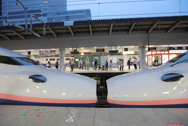 E2系列高速火车 库存照片