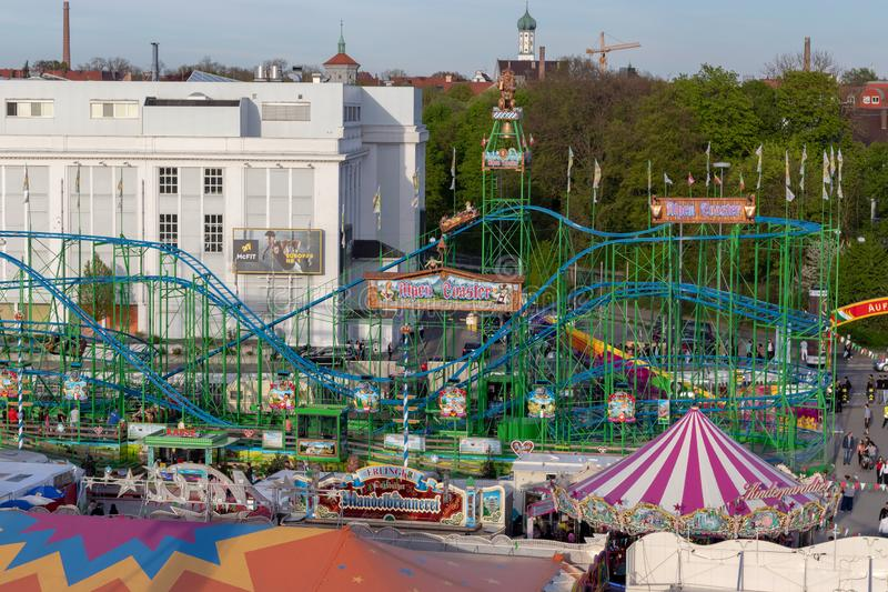 E 名为的一绿色rollercoast 免版税图库摄影