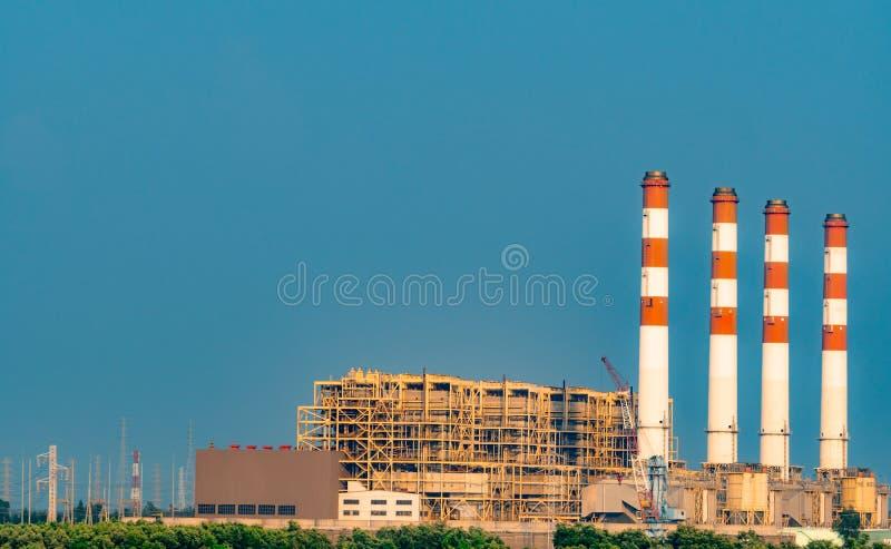 E 热电厂和联合循环能源厂在泰国 使用天然气和石油的能源厂 ?? 库存图片