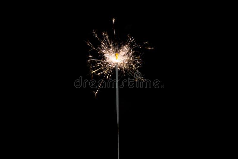 Спарклерное освещение на черном фоне стоковые фотографии rf