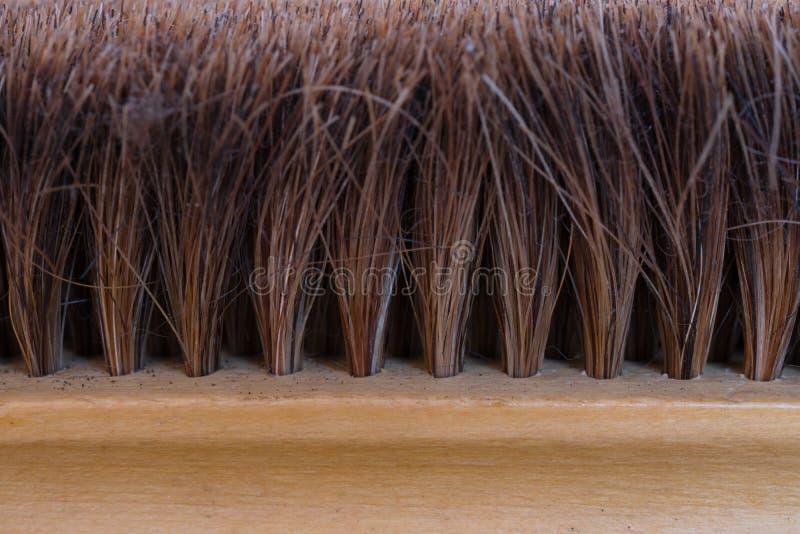 Старая грязная щетка, покрытая пылью стоковое фото