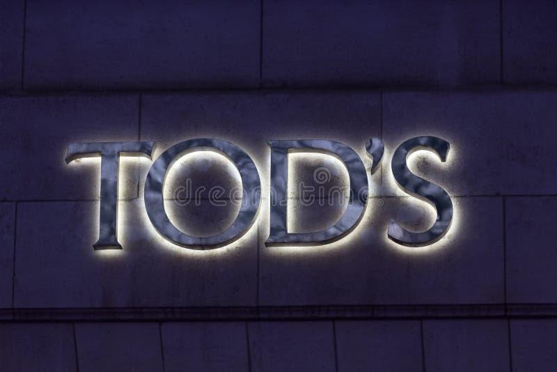 Брюссель, брюссель/белгиум - 13 12 18: знак tod's в брюс-белгиуме стоковые фото