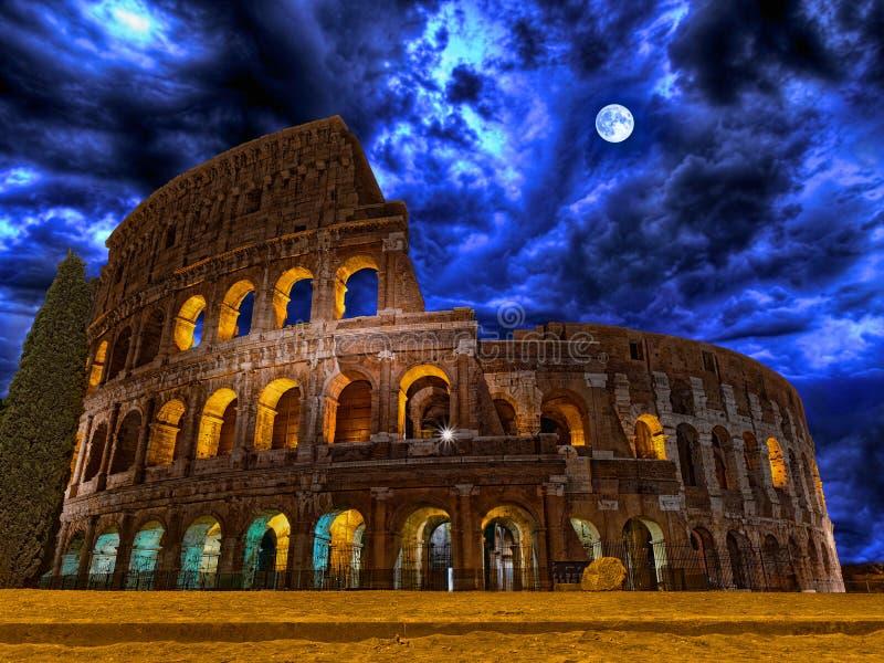 Колизей по ночам Рим Италия стоковое фото rf