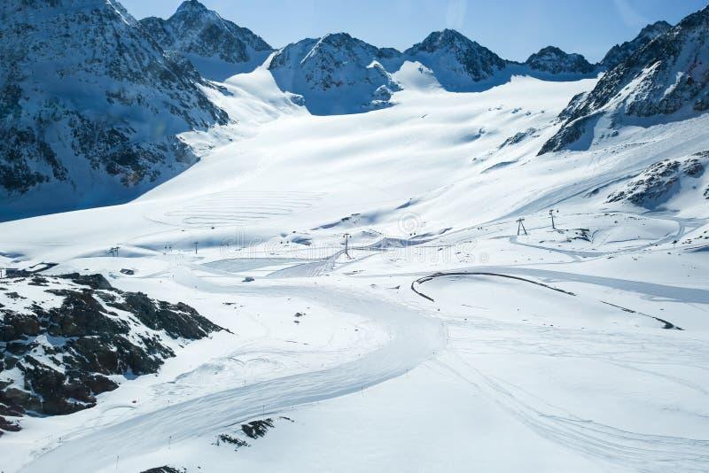 E alpin _ Pitztaler Gletscher Wildspitzbahn arkivfoto