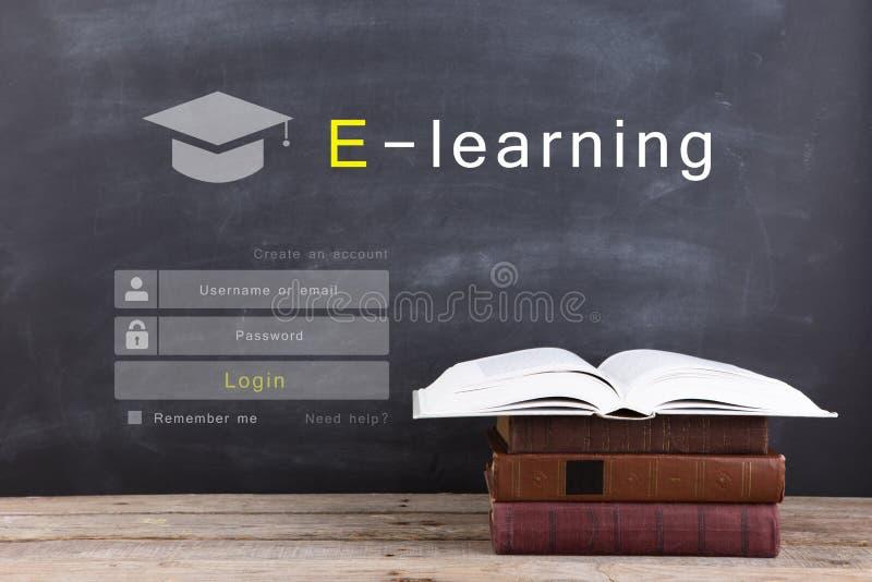 E - aprendendo o conceito, o início de uma sessão em linha da educação ou o projeto de tela do registro fotografia de stock royalty free