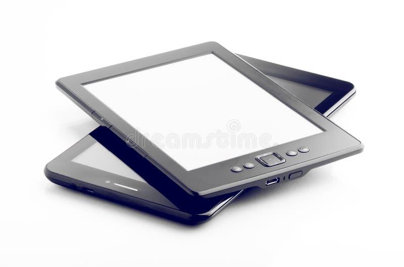 E-Buch-Leser And Tablet Isolated auf Weiß lizenzfreie stockfotos