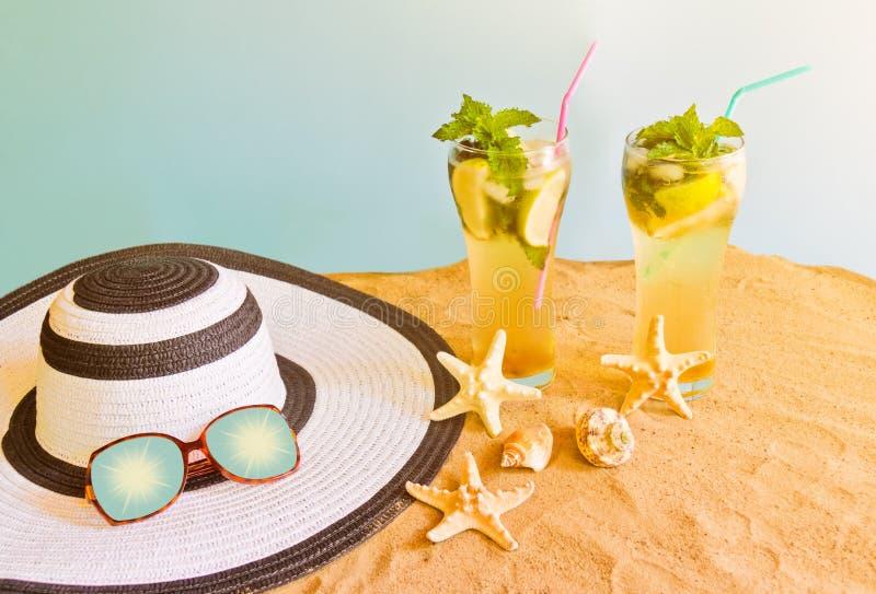 E Concepto del d?a de fiesta de la playa del verano fotos de archivo libres de regalías