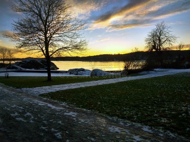 E coucher du soleil scandinave photos stock