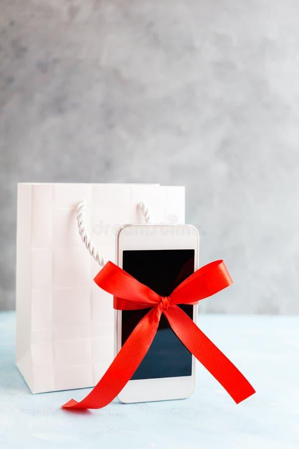 E Cyber Poniedziałek prezenty świąteczne zdjęcie royalty free