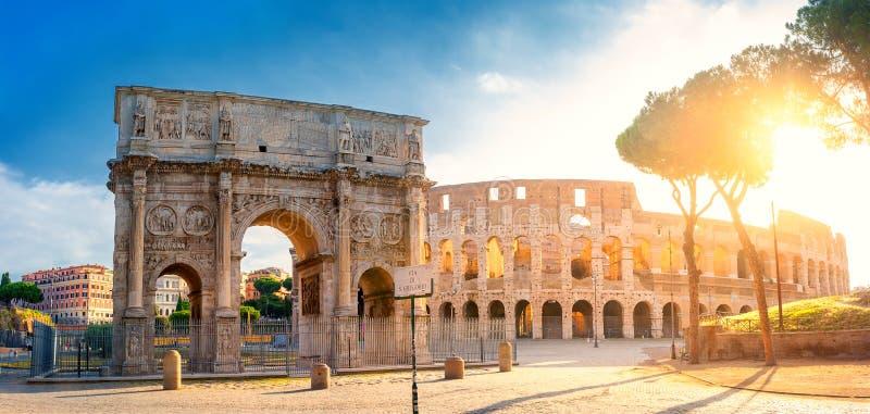 E De architectuur en het oriëntatiepunt van Rome stock fotografie