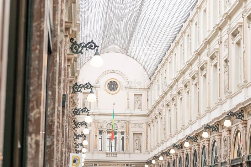 E 02 19: De Galerij van Galeriede La reine Brussel van de koningin royalty-vrije stock fotografie