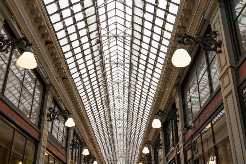 E 02 19: De Galerij van Galeriede La reine Brussel van de koningin stock fotografie