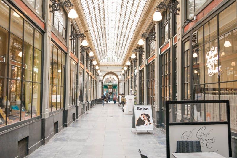 E 02 19: De Galerij van Galeriede La reine Brussel van de koningin stock afbeeldingen